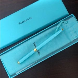 Retractable Tiffany & Co pen in  Blue Lacquer